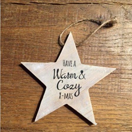 Kerstster van hout met opdruk 'warm & cozy'