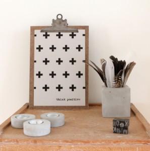 Het Noteboompje poster zwart wit zwartwit zwart-wit zwart/wit grijsbord grijs karton