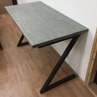 Het Noteboompje bureau bureautje buro burootje steigerhout gebruikt white wash grey wash z-poten staal industrieel