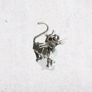 metalen kat metaal scrap metal bout bouten moer moeren dier diertje het noteboompje