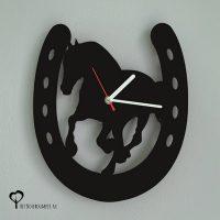 Klok wandklok hout paard paarden galop hoefijzer paardensport paardrijden lasersnijder lasercutter acrylaat plexiglas zwart stil uurwerk het noteboompje