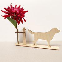 labrador labrador hond honden hondenliefhebber cadeau kado kadootje reageerbuis reageerbuisje bloem bloemmetje hout houten berken het noteboompje