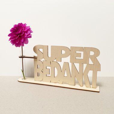 zeg het met hout super bedankt bedanken bedankje cadeau kado kadootje reageerbuis reageerbuisje bloem bloemmetje hout houten berken het noteboompje