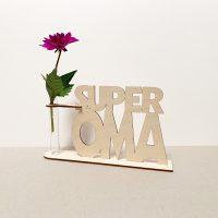 super oma superoma grootvader cadeau kado kadootje reageerbuis reageerbuisje bloem bloemmetje hout houten berken het noteboompje