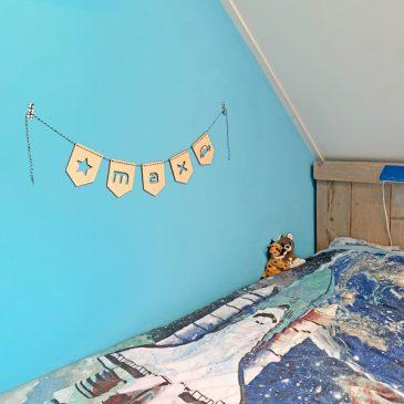 houten vlag lettervlag letterslinger vlaggenlijn slingers vlaggen hout naamvlag naamslinger letter letters naam namen kamer kind kinderkamer kindernaam het noteboompje