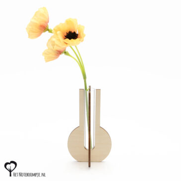 kolf vaasje mini vaas cadeau kado kadootje reageerbuis reageerbuisje bloem bloemetje hout houten berken het noteboompje